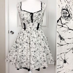 Hot Topic   Floral Insect Goth Swing Dress M